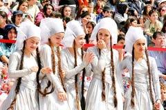 Kinderen in traditionele kostuums Royalty-vrije Stock Fotografie