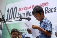 KINDEREN VAN DE BEVOLKING VAN INDONESIË Stock Foto's