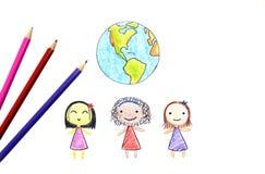 Kinderen van verschillende nationaliteiten en Aarde stock foto's