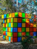 Kinderenspeelplaats met zeer kleurrijke schommeling royalty-vrije stock foto's