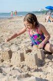 Kindergebäudeschlösser auf dem Strand Lizenzfreies Stockbild