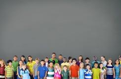 Kinderkinderglück-nettes Kindheits-Jugend-Konzept Stockbilder