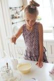 Kinderkochen Stockfotografie