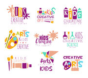Kinderkreative Klassen-Schablonen-fördernde Logo Set With Symbols Of-Kunst und -kreativität, Malerei und Origami stock abbildung