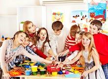 Kindermalerei an der Kunstakademie. Stockfotos