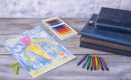 Kindermalerei in der Vorschule mit Zeichenstiften Stockfoto