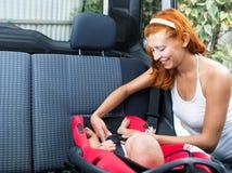 Kindersitze im Autositz Lizenzfreies Stockbild