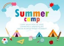 Kindersommerlager-Ausbildung Schablone für Werbungsbroschüre, Kinder, die Tätigkeiten auf dem Kampieren, Plakatfliegerschablone t lizenzfreie abbildung