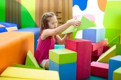 Kinderspiel Baubauklötze Kinderspielwaren Lizenzfreies Stockbild