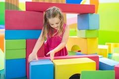 Kinderspiel Baubauklötze Kinderspielwaren Lizenzfreie Stockbilder