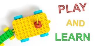 Kinderspiel und lernen buntes Spielzeug lizenzfreie abbildung