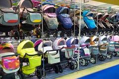 Kinderwagen für Neugeborene im Speicher Lizenzfreie Stockfotografie