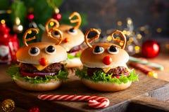 Kinderweihnachtsburger Ren Hackfleisch mit Soße lizenzfreie stockfotos