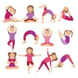 Kinderyoga wirft Vektor-Illustration auf Kind, das Übungen tut Lage für Kind Gesunder Kinderlebensstil Babygymnastik sport Lizenzfreie Stockfotografie