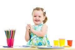 Kinderzeichnung und Herstellung durch Hände Stockbilder