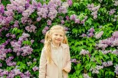 Kindheit und Frühling in der Natur Stockfotografie