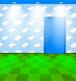 Kindischer Raum mit blauer Tür Stockfotos