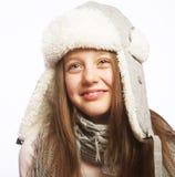 Kindmeisje met de winterkleren Stock Foto's