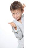 Kindportrait mit dem Daumen oben Lizenzfreies Stockfoto