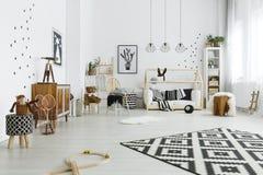 Kindruimte in Skandinavische stijl stock afbeeldingen