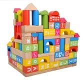 Kinds bouwstenen die een huis bouwen Royalty-vrije Stock Fotografie
