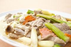 Kines stekt meat i ostronsås Arkivfoton