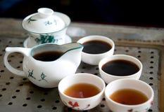 kinesen cups teapoten Arkivfoton