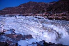 KinesHukou vattenfall som fryser i vinter Royaltyfria Foton