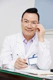 Kinesisk asiatisk manlig doktor Arkivfoton