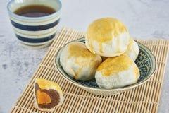 Kinesisk bakelse, kinesiska sötsaker royaltyfria foton