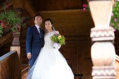 kinesisk brudgum för brud royaltyfria bilder