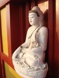 Kinesisk buddistisk staty royaltyfri bild