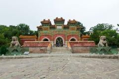 Kinesisk byggnad för traditionell stil i en forntida trädgård, norr c Arkivfoton