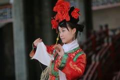 kinesisk dansarekvinnlig Fotografering för Bildbyråer