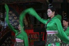 kinesisk dansarekvinnlig Arkivfoto