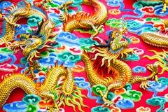 Kinesisk drake på väggen Royaltyfri Foto