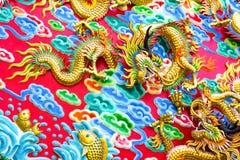 Kinesisk drake på väggen Arkivbilder