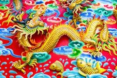 Kinesisk drake på väggen Royaltyfri Bild