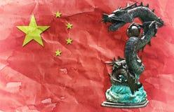 kinesisk drakeflaggastaty Royaltyfri Foto
