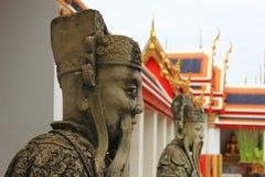 Kinesisk förmyndarestaty i watpho Royaltyfri Bild