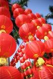 kinesisk festivalfjäder kinesiska lyktor arkivfoto