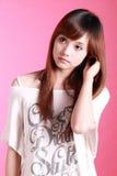 kinesisk flickastående s Arkivfoton