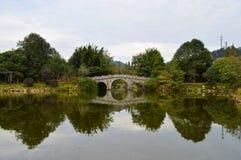 Kinesisk forntida stenbro Royaltyfri Foto