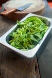 Kinesisk grönsak för morgonhärlighet i den rostfria koppen som är klar för att laga mat Arkivbilder
