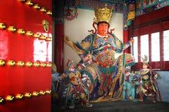 Kinesisk gud Guan Yu i tempel på Shangri-La, Kina Royaltyfri Bild