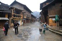 kinesisk guizhou miaoby Arkivbilder