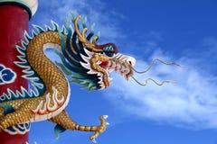 kinesisk guld- drakejätte Fotografering för Bildbyråer