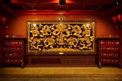 Kinesisk guld- skulptur arkivfoton