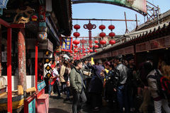 Kinesisk kokkonst, mellanmål av Pekinganstrykning Arkivfoto