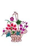 Kinesisk korg för papper-snitt färgblomma Royaltyfria Bilder